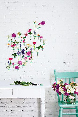 Blumen an die Wand kleben