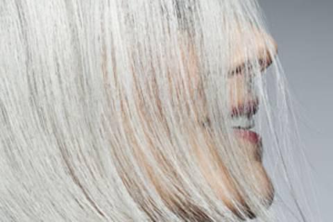 Feine Haare? Drei Frisuren für mehr Volumen