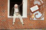 """""""Der Hundertjährige, der aus dem Fenster stieg und verschwand"""""""