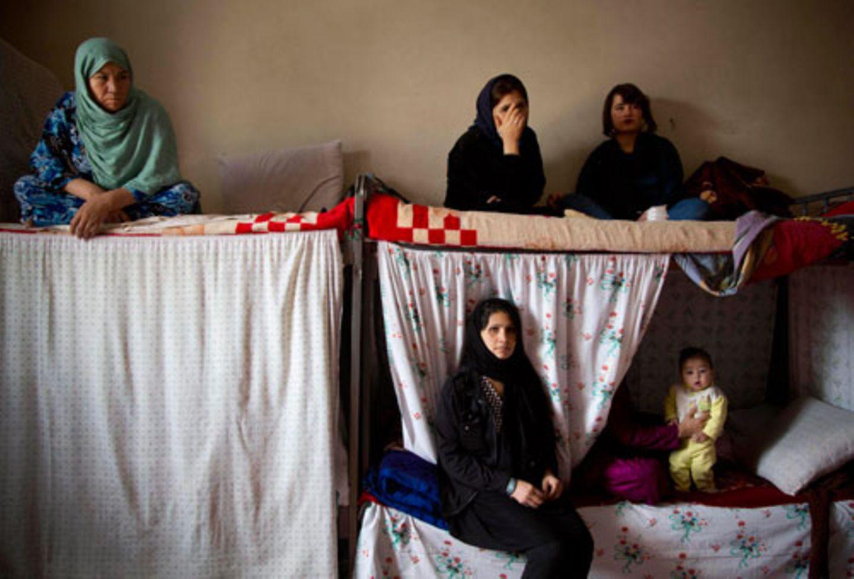 Im März 2013 besucht Anja Niedringhaus gefangengenommene Frauen im Gefängnis Badam Bagh in Kabul.