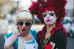 Alice im Wunderland und der verrückte Hutmacher
