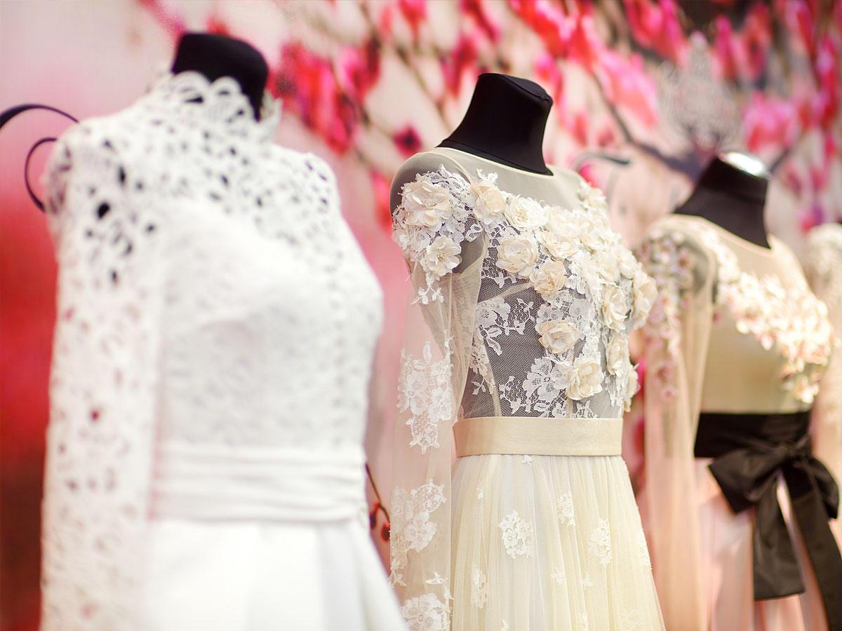 Die schönsten Hochzeitskleider unter 500 Euro