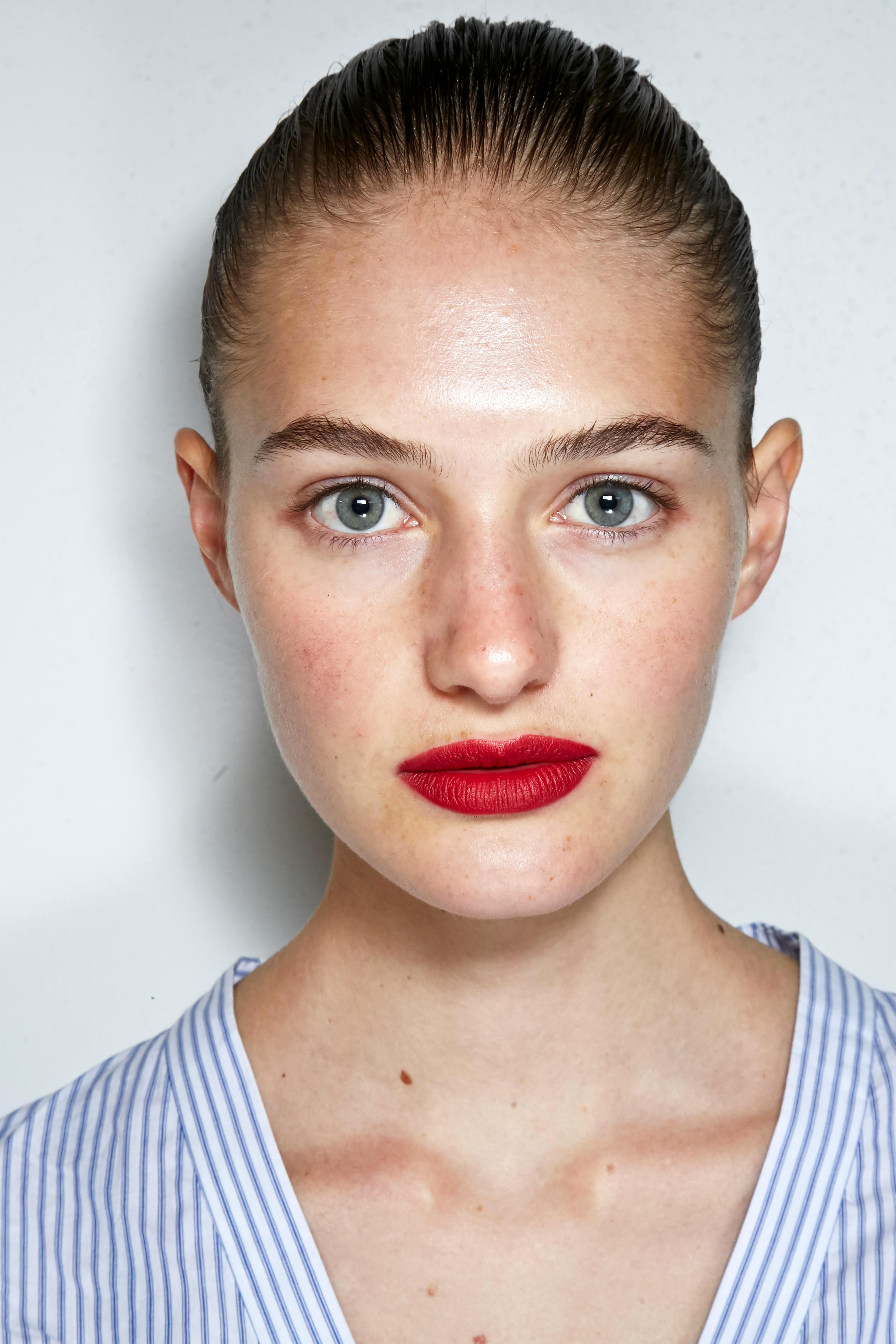 Make-up Trends 2017: Roter Lippenstift bei Jason Wu
