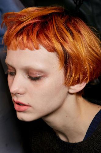 Rote kurze haare stylen
