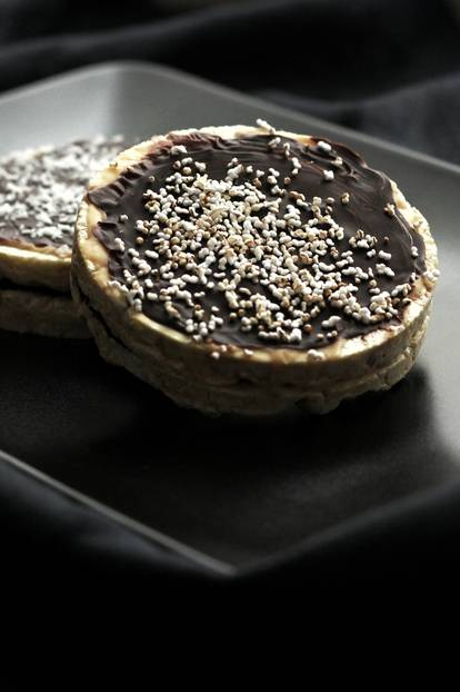 5-Minuten-Schokoladenwaffeln mit Erdnussmus