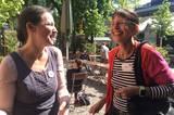 """Endlich sieht man sich auch mal offline: Angela Wittmann und Béa Beste vom Blog """"Tollabea"""", von der wir schon lange Fan sind."""