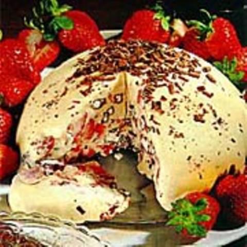 Erdbeer-Eisbombe