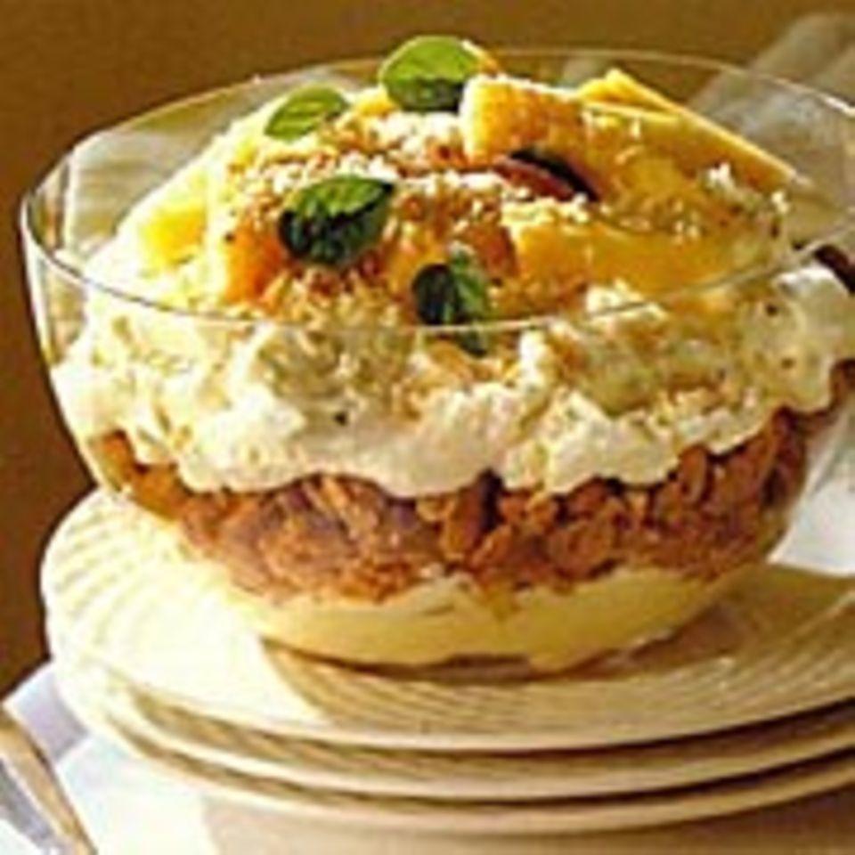 Trifle mit Ananas