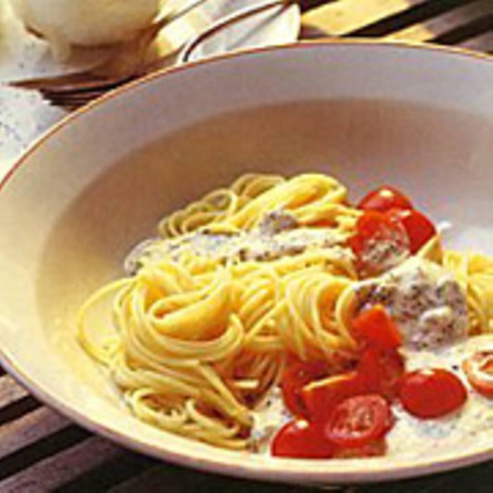 Spaghettini mit Frischkäse und Mohn