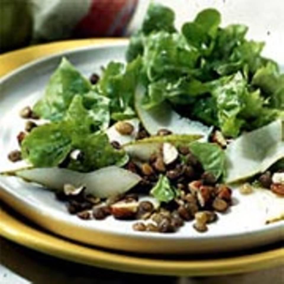 Salat mit Linsen und Birne