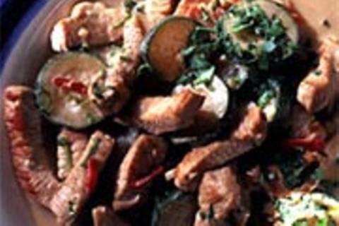 Schweine-Geschnetzeltes mit Zucchini