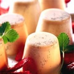 Vanillecreme mit Wein-Erdbeeren