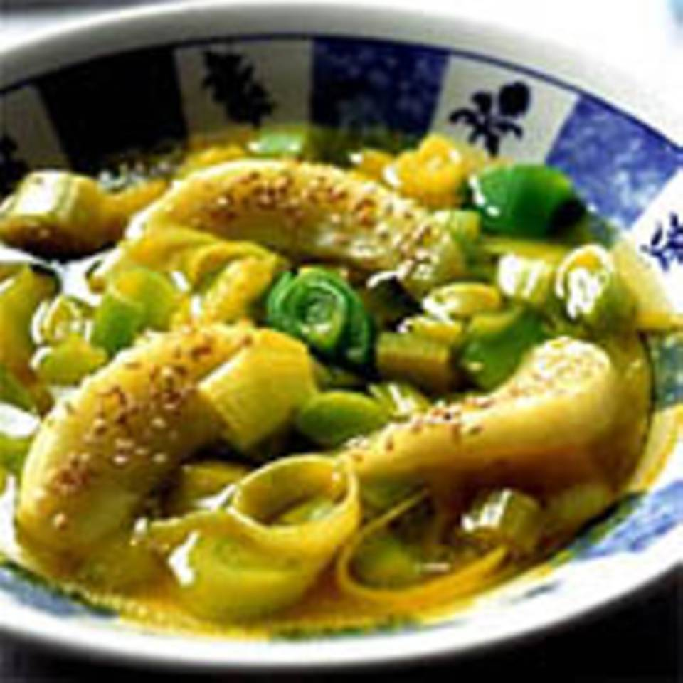 Apfel-Porree-Suppe mit Sesam