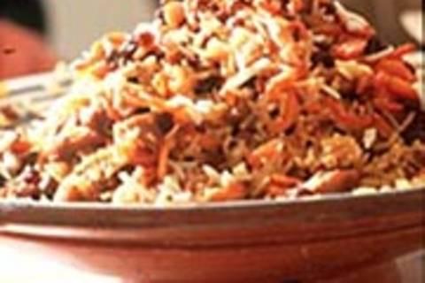 Reistopf mit Möhren und Rosinen