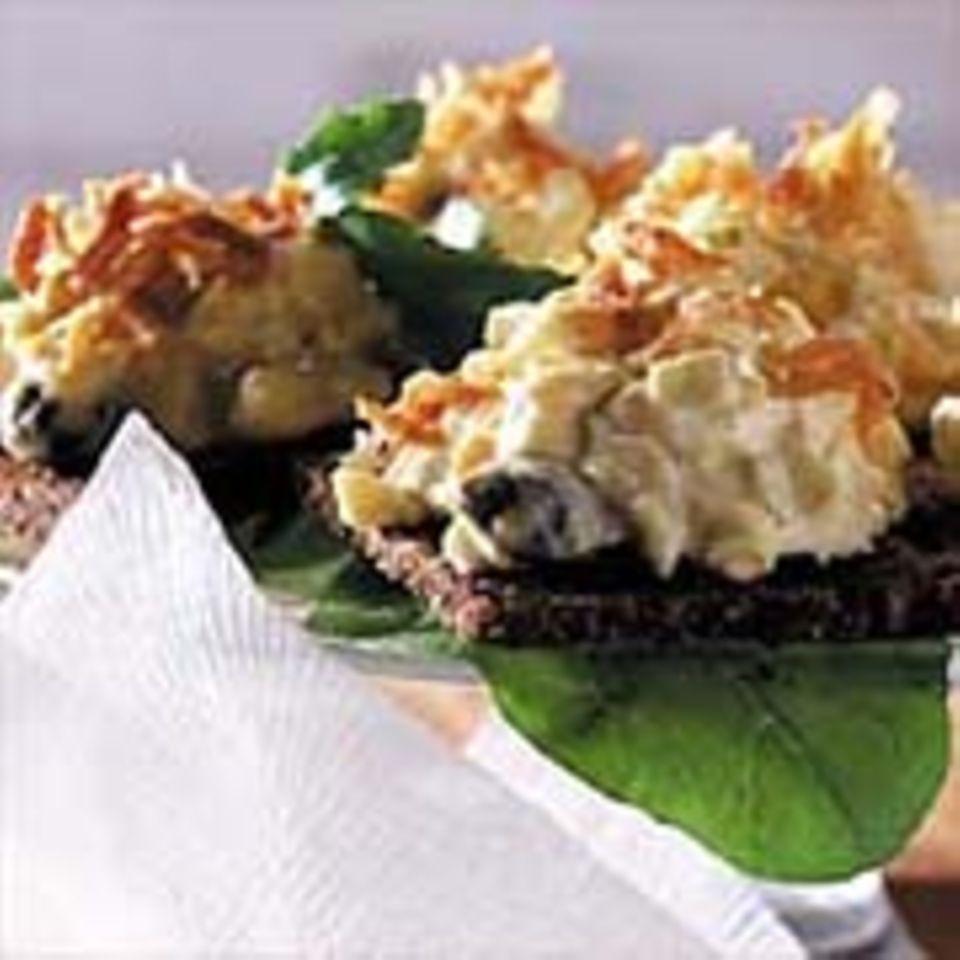 Eiersalat mit Cornichons und Kapern