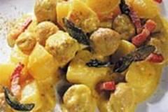 Kartoffelgulasch mit Fleischklößchen