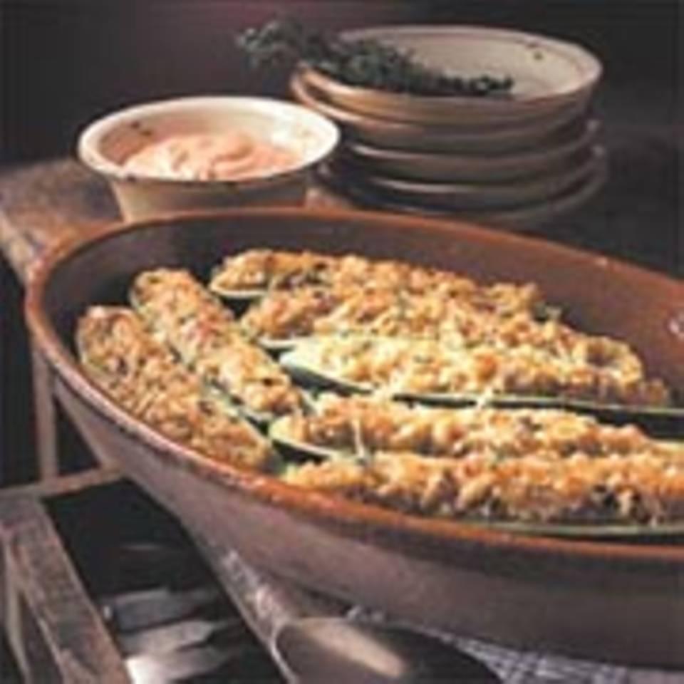 Überbackene Zucchini mit Graupenfüllung