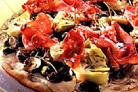 Artischocken-Schinken-Pizza