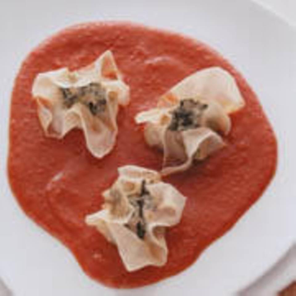 Wan Tans mit Tomaten-Ingwer-Soße