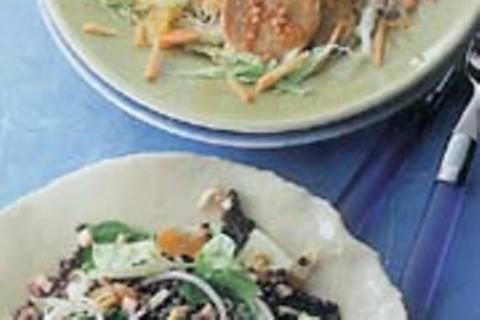 Salat mit Tempeh und Orangen
