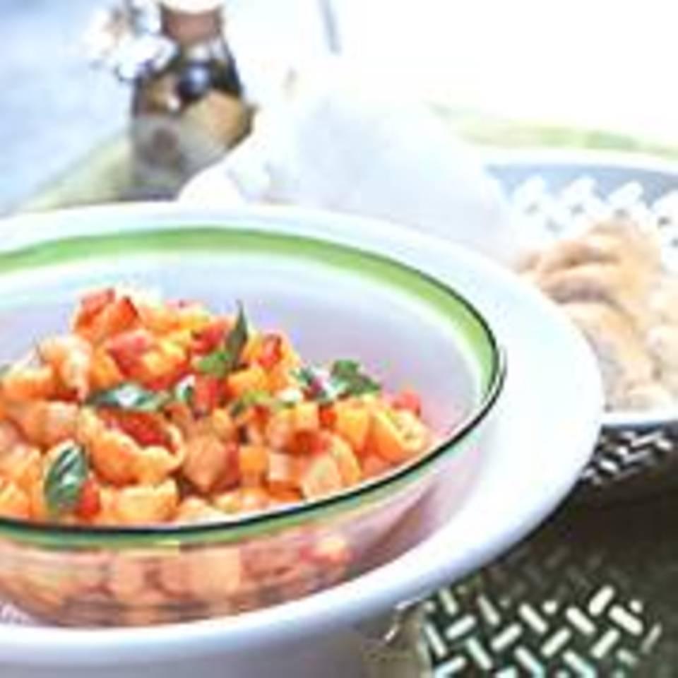 Nudeln mit Paprika-Tatar