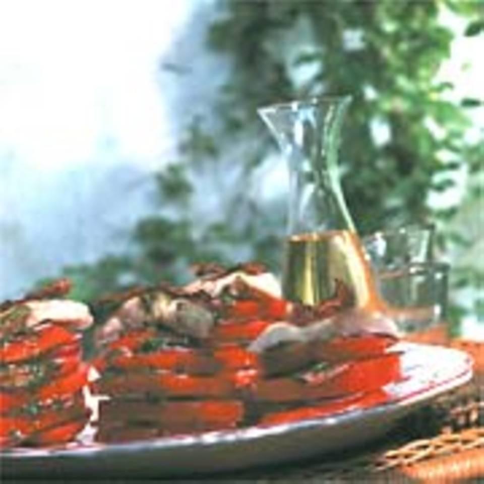 Tomatensalat mit gebratenem Fischfilet