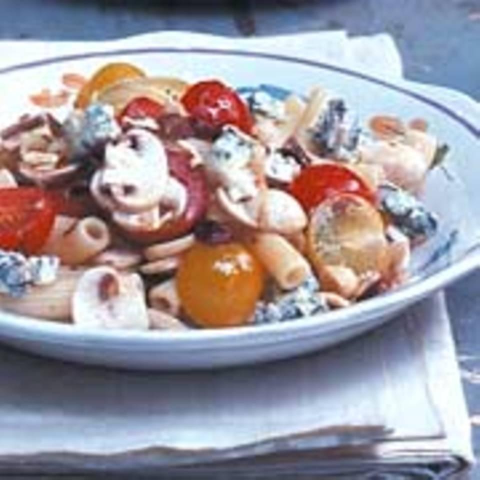 Tomaten-Nudel-Salat