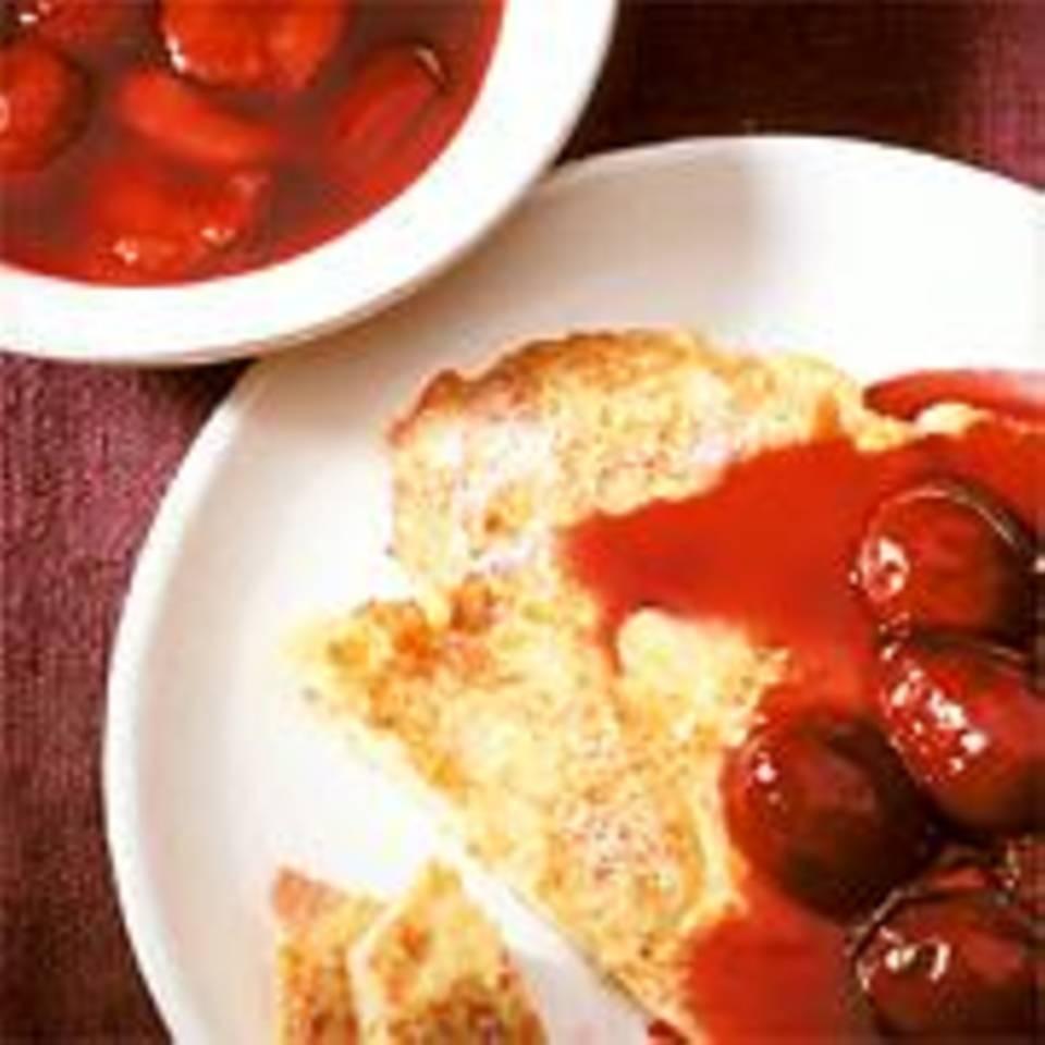 Kartoffelpfannkuchen mit Pflaumengrütze und Portwein