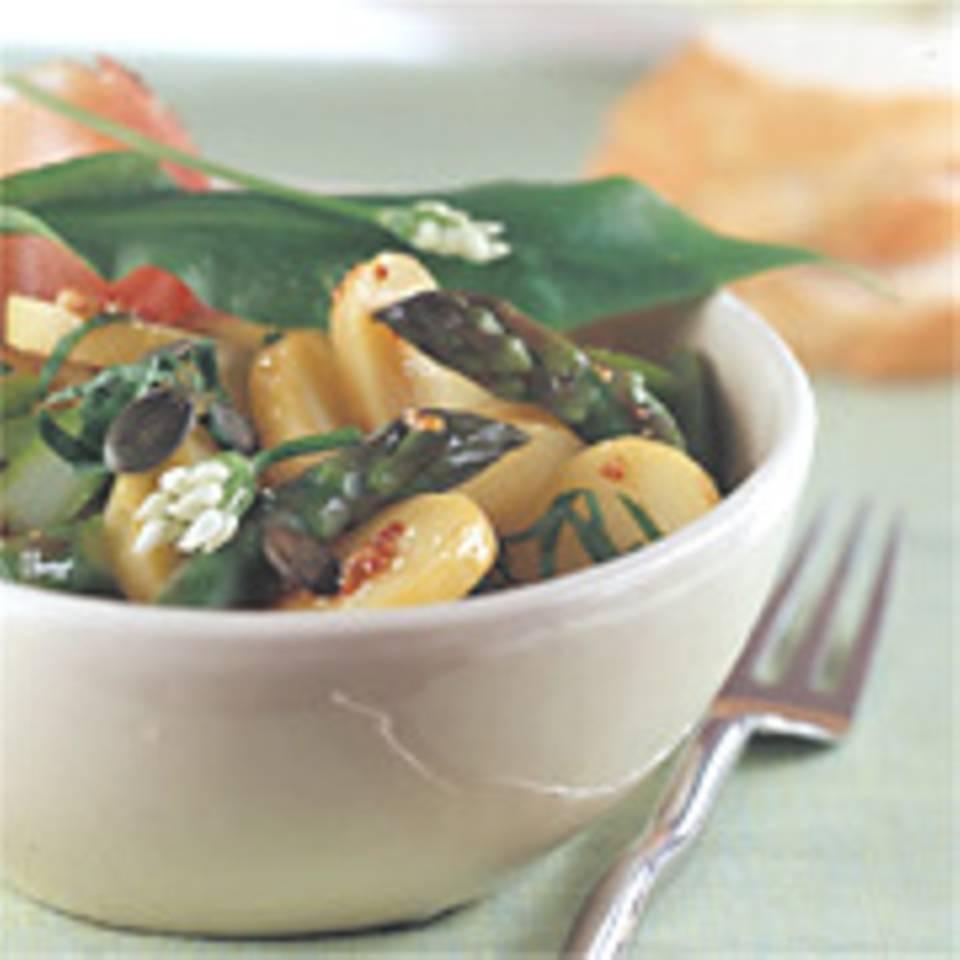 Kartoffelsalat mit grünem Spargel und Bärlauch
