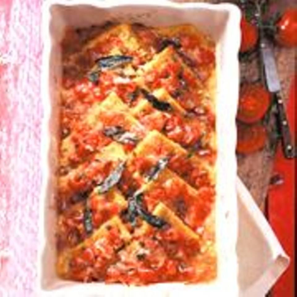 Kräuterpolenta mit Tomaten