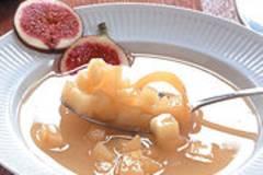 Süße Apfel-Feigen-Suppe
