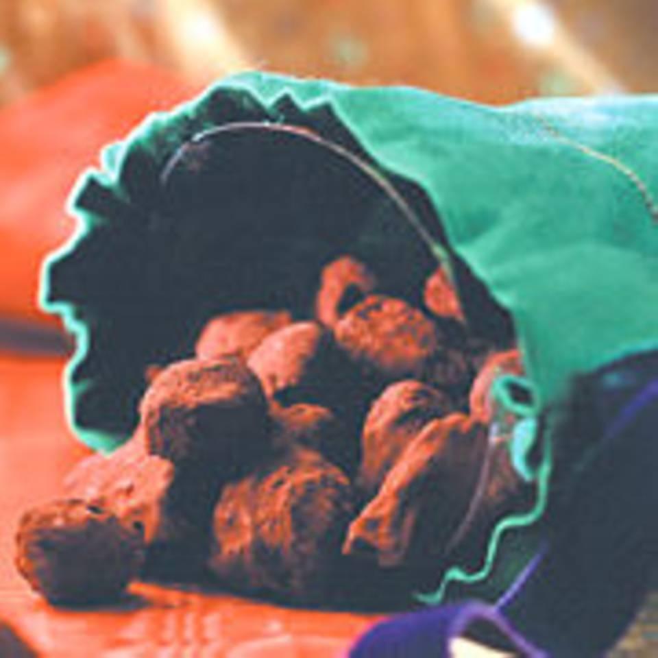 Karamellisierte Mandeln in Schokohülle