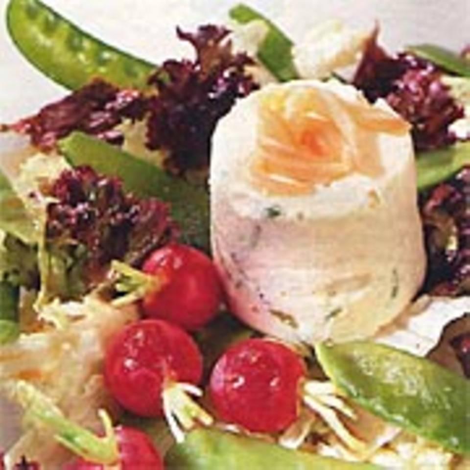 Lachsflan mit Salat