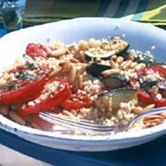 Couscous-Salat mit Zucchini und Joghurt