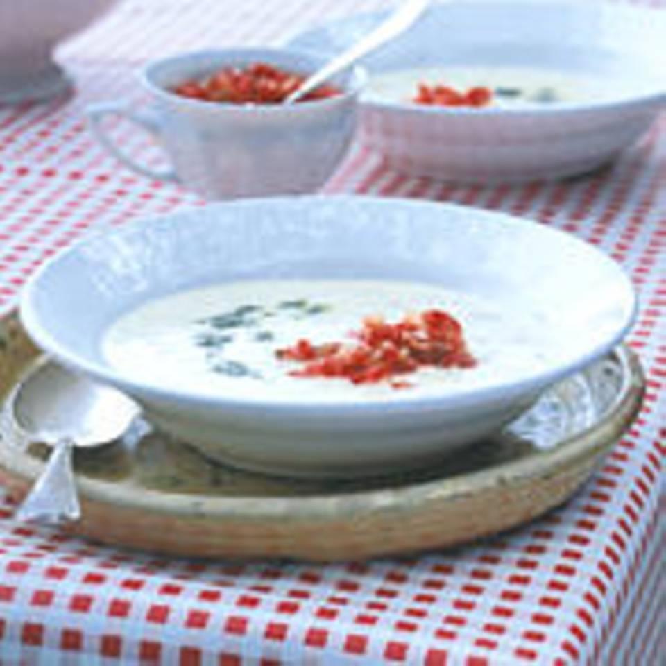 Joghurt-Reis-Suppe mit Tomaten-Gremolata