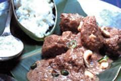 Lammcurry mit Cashewkernen