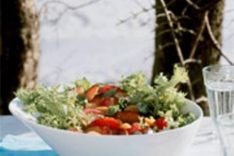 Frisée-Salat mit Früchten