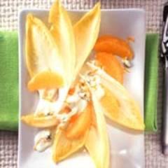Chicorée mit Orangen und Blue-Cheese-Dressing