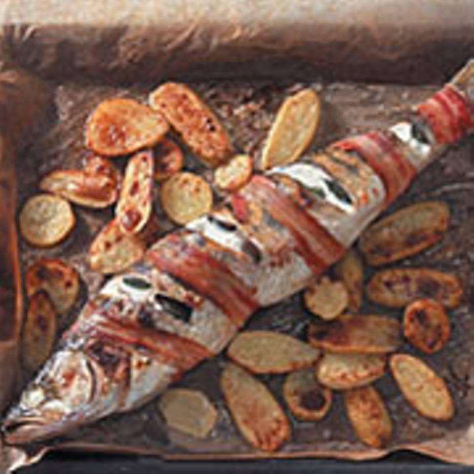 Gegrillter Zander mit Speck, Kartoffeln und Linsen