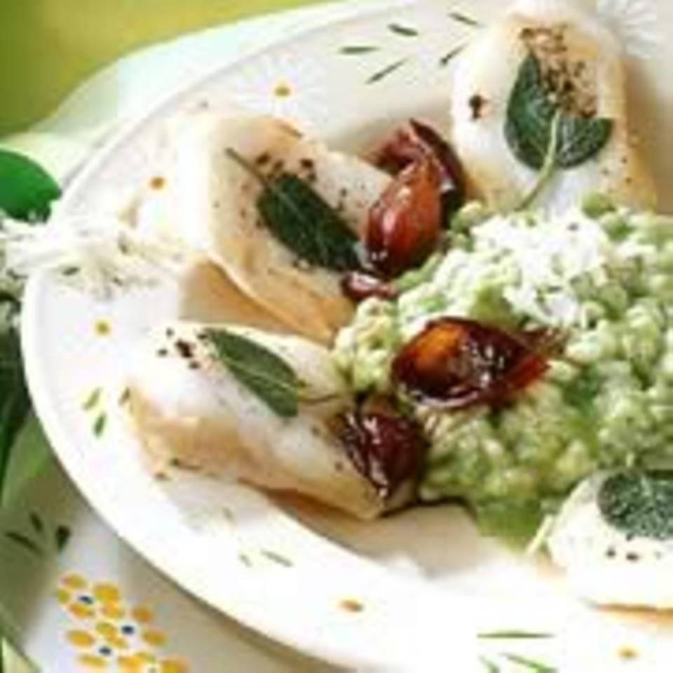Grüner Risotto mit Fischschnitzeln und Rotweinschalotten