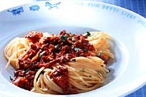 Spaghetti mit Hacksoße