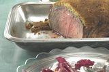 Roastbeef mit Pfefferschrotkruste und Cranberry-Relish