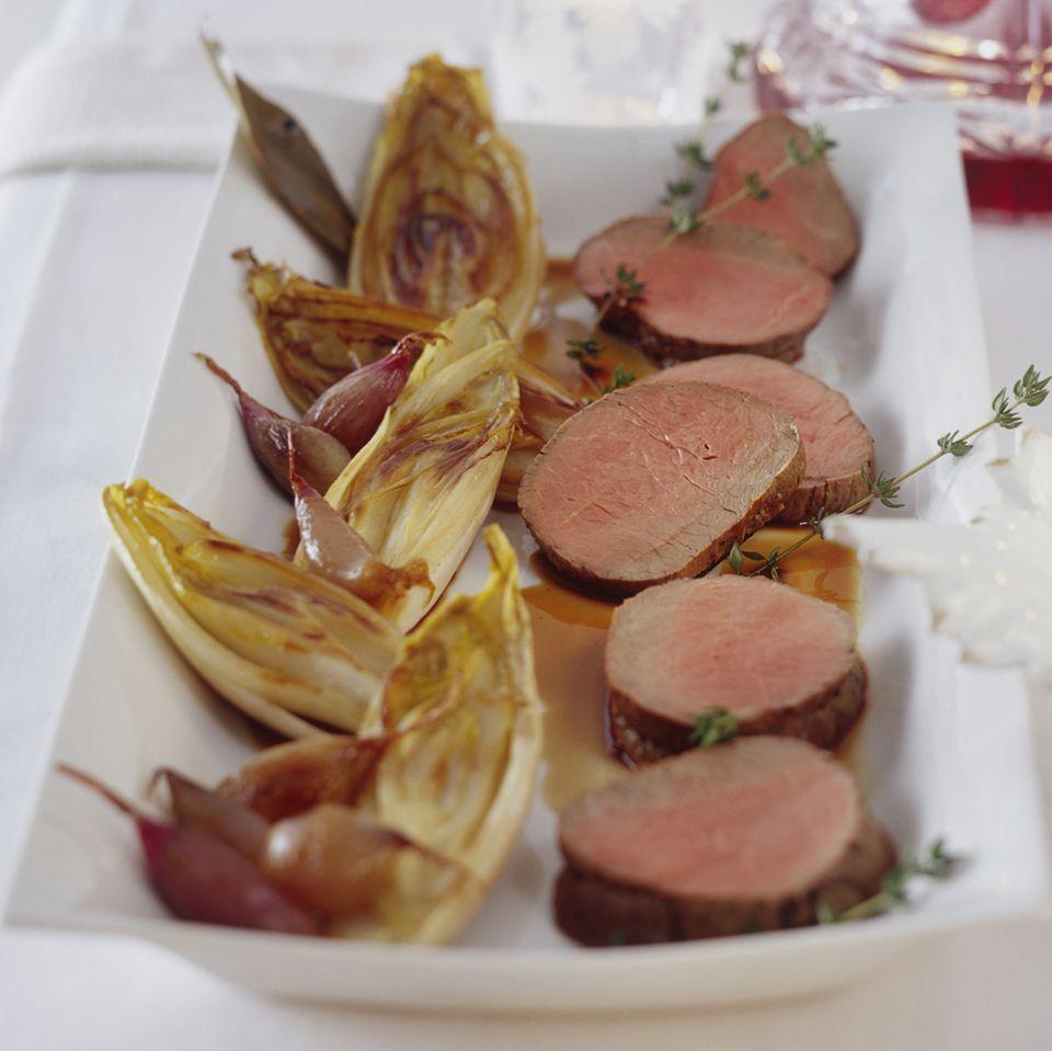 Karamellisierte Schalotten und Chicorée