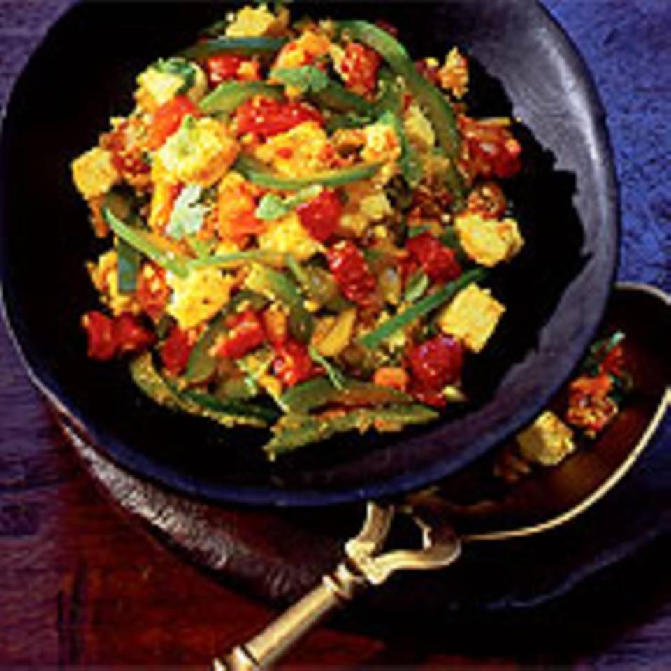 Käse mit Tomaten und Paprika