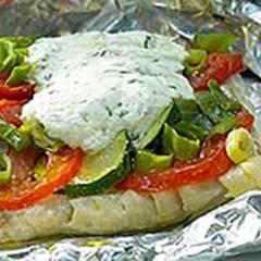 Fischpäckchen - Seelachsfilet mit Tomaten