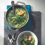 Kerbelsuppe mit Brot
