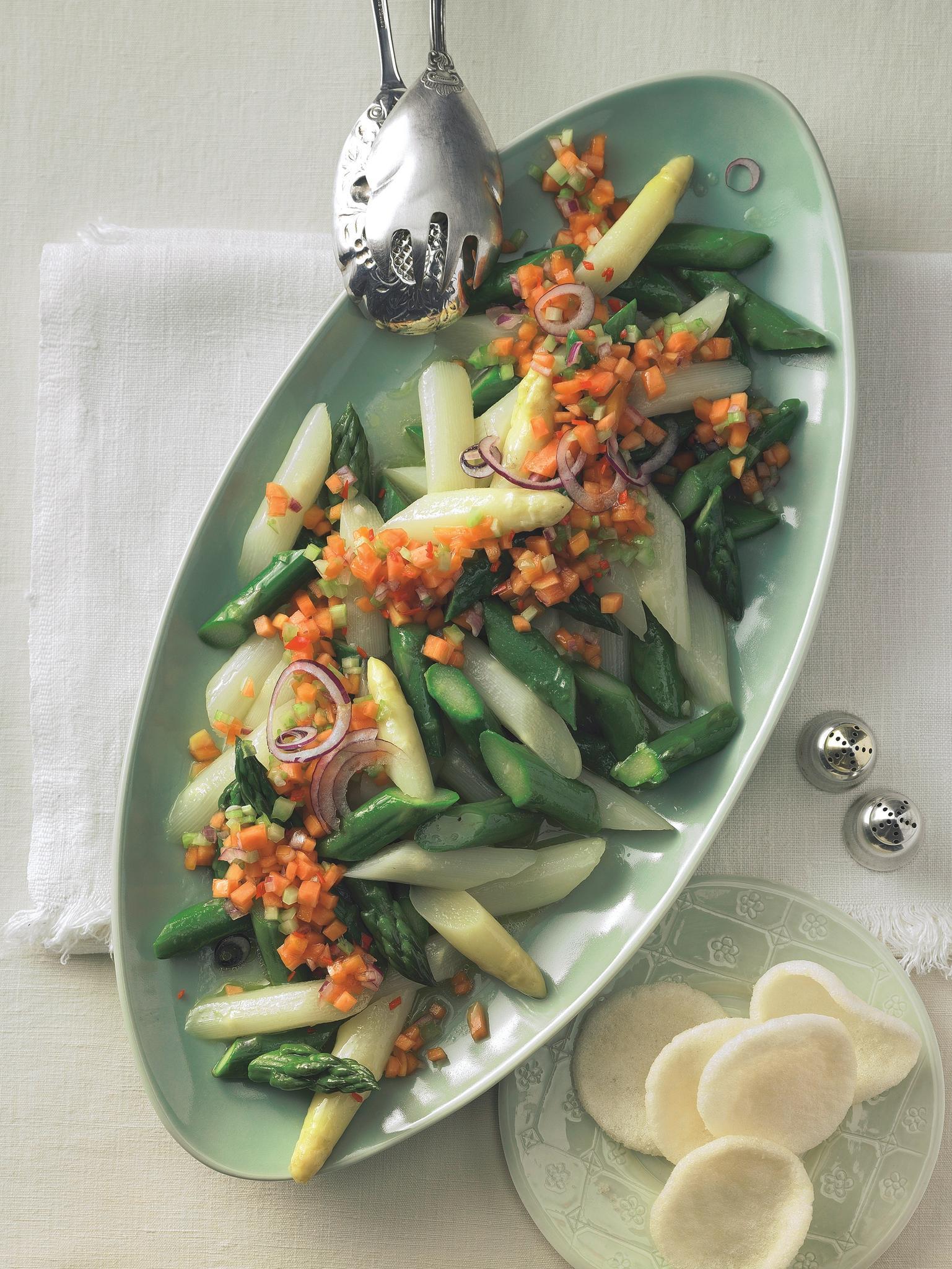 Spargelsalat mit Salsa