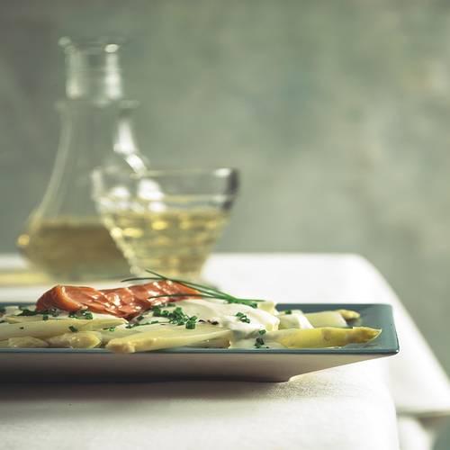spargel-weisser-salat-lachs.jpg