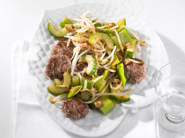 Thai-Gemüse_mit_Beef-Talern.jpg