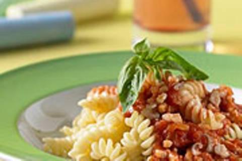 Spirelli-Nudeln mit Tintenfisch-Bolognese